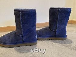 Periwinkle Blue Uggs Metallic Floral Pattern NWB Size 8.5